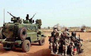 Des soldats nigérians le 5 mars 2015 à Chibok dans le nord-est du Nigeria