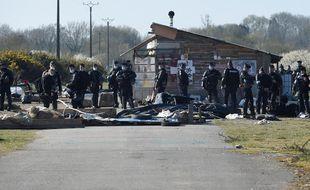 Lors de l'évacuation de la ZAD du Carnet (Loire-Atlantique), mardi 23 mars 2021.