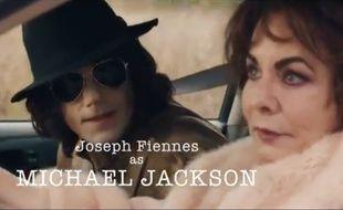 Joseph Fiennes apparaît dans un épisode avec Elizabeth Taylor et Marlon Brando.