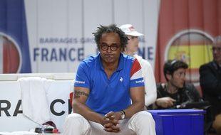 Yannick Noah lors de la rencontre de Fed Cup entre la France et l'Espagne, le 22 avril 2017 à Roanne.
