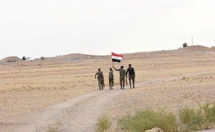 (Illustration) Des soldats syriens dans une base aérienne située dans la ville de Tabqa, dans la province de Raqqa, dans le nord de la Syrie, le 16 octobre 2019.