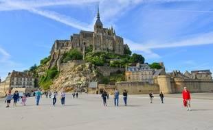Le Mont-Saint-Michel, emblème de la Normandie.