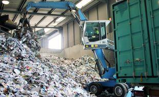 Illustration de recyclage des déchets ici dans une usine de valorisation.