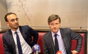Thomas Cazenave (à gauche) et Nicolas Florian, lors de leur conférence de presse commune, officialisant la fusion de leurs listes pour les municipales à Bordeaux.