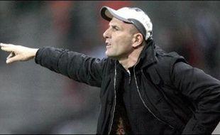 Bordeaux (L1) devra verser 2,5 M EUR d'indemnités à son ancien entraîneur Elie Baup, aujourd'hui aux rênes du Toulouse FC, pour rupture abusive de contrat en 2003, au terme d'une procédure prud'homale de trois ans close à quelques jours d'un... Toulouse-Bordeaux.