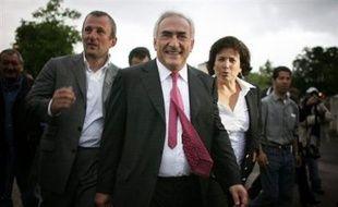 Emeutes à Villiers-le-Bel, départ du baron local Dominique Strauss-Kahn, élection partielle sans incidence nationale: ce sont des électeurs chamboulés qui sont appelés à élire dimanche le nouveau député de la 8ème circonscription du Val-d'Oise.