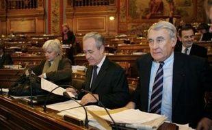 """Claude Goasguen, député UMP de Paris, s'est déclaré jeudi """"inquiet"""" à propos des municipales, jugeant comme """"une possibilité"""" qu'elles virent au cauchemar pour la majorité"""