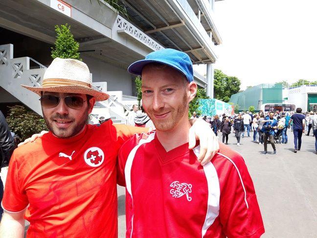 Pierre et Yannick, deux amis suisses à Paris.