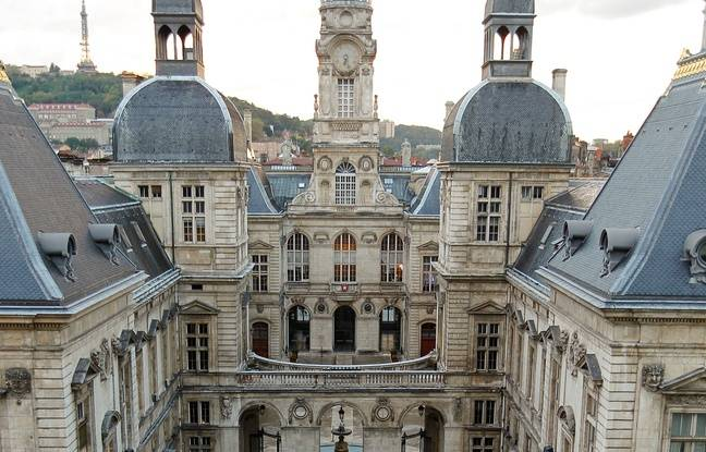 Elections municipales à Lyon: Quelles alliances possibles pour gagner la mairie et succéder à Gérard Collomb?