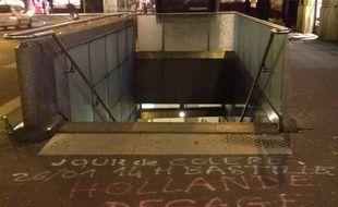 Appel à manifester pour dimanche 26 janvier 2014. Photo prise mardi 21 janvier au soir à la station de métro de Madeleine.