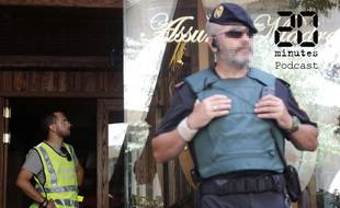 Une opération de la police espagnole contre la Camorra, organisation mafieuse napolitaine, coordonnée par Europol, à Barcelone le 5 juillet 2017