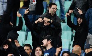 16 supporters bulgares sont suspectés d'actes racistes et antisémites par la police.