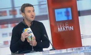 Olivier Besancenot appelle «au boycott» de Candia, sur France 2 le 25 février 2013