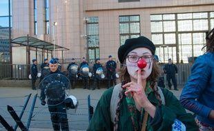 Une militante anti-CETA, lors d'une manifestation organisée le 30 octobre dernier à Bruxelles.