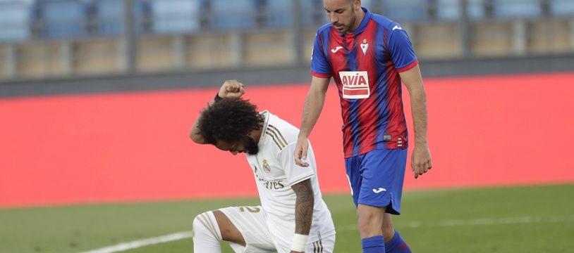 Marcelo rend hommage à George Floyd après avoir marqué lors de Real Madrid-Eibar, le 14 juin 2020.