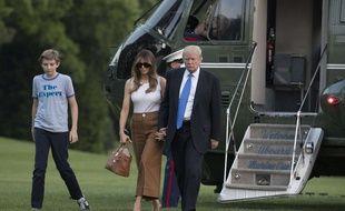 Melania et Barron Trump ont rejoint le président américain à la Maison Blanche, le 12 juin 2017.