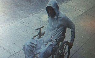 Un homme en chaise roulante a braqué une banque à New York, le 29 juin 2015.