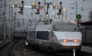 Un jeune homme de 20 ans est décédé, lundi, percuté par un TGV en Alsace. (Illustration)