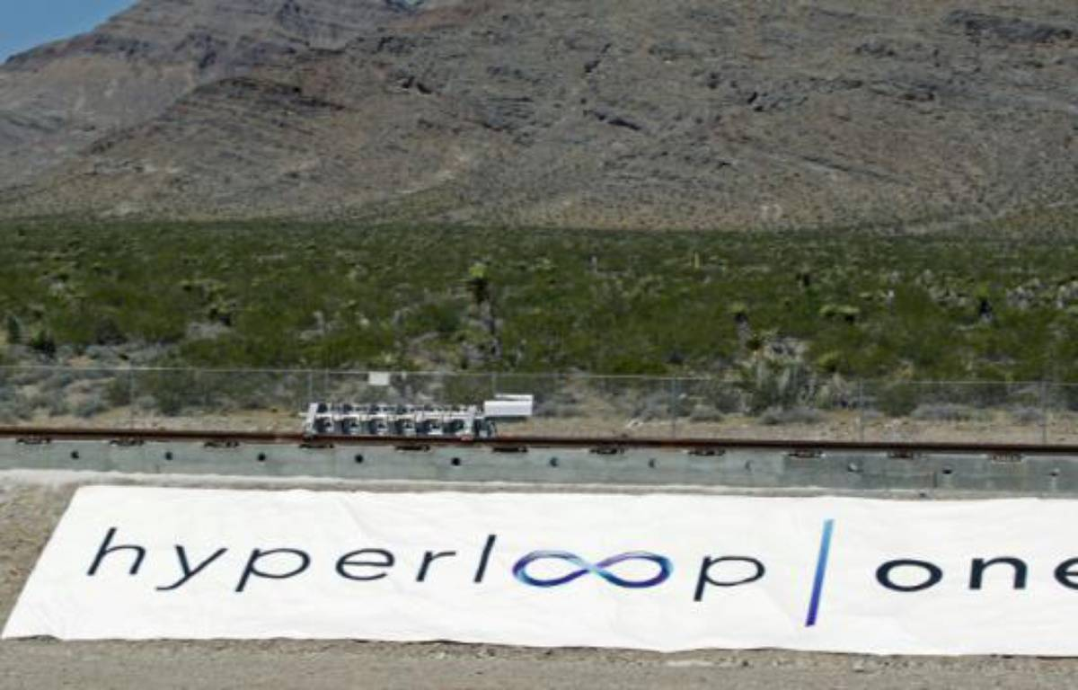 Premier test du projet Hyperloop One à Las Vegas, le 11 mai 2016 – John GURZINSKI AFP