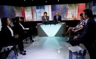 Les quatre candidats à la primaire écologiste, lors du premier débat télévisé, mardi 27 septembre.