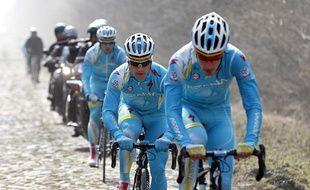 Les coureurs de l'équipe Astana, le 4 avril 2013 lors d'un entraînement avant Paris-Roubaix.