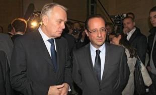 Jean-Marc Ayrault, maire socialiste de Nantes et François Hollande en mars 2012.