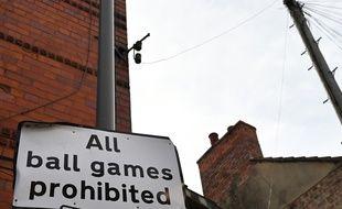 Tous les matchs de football en Angleterre sont suspendus au moins jusqu'au 30 avril en raison de l'épidémie de coronavirus.