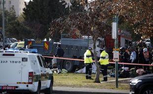 Le 8 janvier 2017, sur les lieux du drame à Jérusalem, où un camion a foncé sur des piétons.