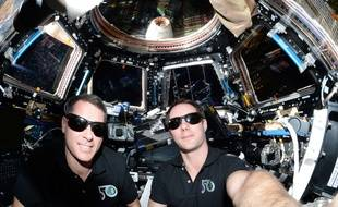 Thug life à bord de la station spatiale internationale.