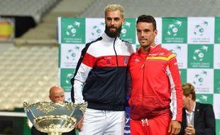 benoît Paire pose avec l'Espagnol Bautista Agut qu'il doit affronter dimanche en couep Davis