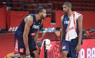 Rudy Gobert et Nicolas Batum lors de la Coupe du monde de basket en Chine, le 31 août 2019.