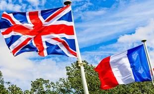 Alors que le Brexit se profile, dans le Sud-Ouest, terre d'accueil de nombreux Britanniques, les demandes de naturalisation vont bon train.