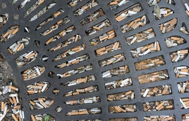 Des mégots jetés dans la rue. Illustration.