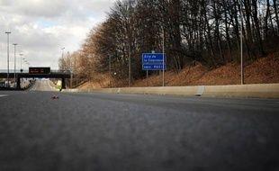 Une femme âgée de 84 ans qui roulait à contresens au volant de sa voiture sur l'autoroute A 20, samedi, à hauteur de Vierzon (Cher), est morte et a tué la conductrice de la voiture qu'elle a percutée, a-t-on appris auprès de la gendarmerie