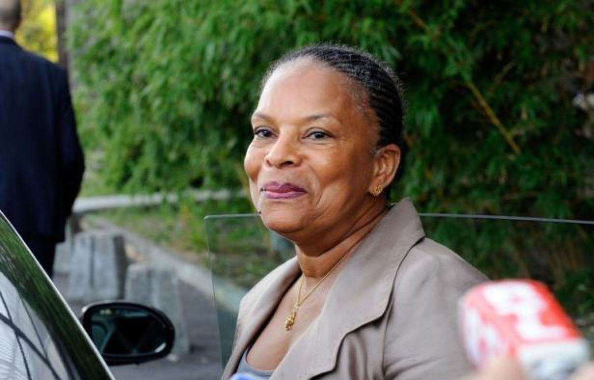 La ministre de la Justice, Christiane Taubira, prescrit de rompre avec le tout-carcéral et les peines planchers, dans un projet de circulaire daté du 20 août, révélé mercredi par Le Nouvel Observateur. – Jean-Pierre Muller afp.com