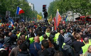 Des manifestants, le 1er mai, à Paris.
