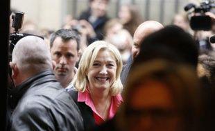 """Marine Le Pen, candidate FN à la présidentielle, s'est qualifiée samedi à Lyon de """"candidate incorruptible dans une classe politique vendue et corrompue""""."""