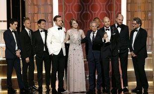 Toute l'équipe du film «La La Land», qui a remporté sept Golden Globe,s le 8 janvier 2017, notamment pour son réalisateur Damien Chazelle et les acteurs Ryan Gosling et Emma Stone.
