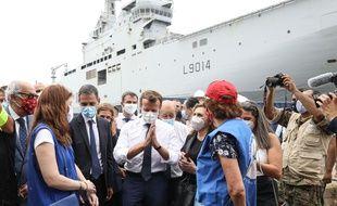 Jean-Yves Le Drian, ministre de l'Europe et des affaires étrangères, et le président Emmanuel Macron rencontre les intervenants mobilisés dans le reconstruction du port de Beyrouth