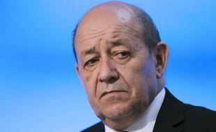 Le ministre de la Défense Jean-Yves Le Drian le 27 avril 2015 à Alençon