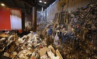 Une usine de traitement des déchets (Illustration)