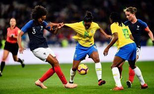 Wendie Renard et Amandine Henry lors de France-Brésil à Nice, en amical, en novembre 2018.