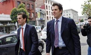 Les jumeaux Winklevoss devant la cour d'appel de San Franciso en janvier.