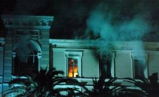 Des manifestants nationalistes ont occupé samedi pendant plusieurs heures l'Assemblée territoriale de la Corse où un incendie, rapidement circonscrit, s'est déclaré dans les bureaux de la présidence.