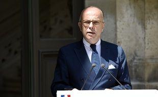 Le ministre de l'Intérieur Bernard Cazeneuve lors de sa conférence de presse dimanche 7 juin sur l'arrestation de deux suspects dans l'enquête sur le projet d'attentat à Villejuif.