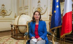 La ministre de l'Ecologie, Ségolène Royal, pose lors d'une interview pour The Associated Press à Paris, le 30 mai 2015.