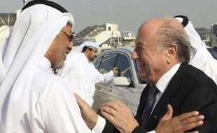 Mohammed Bin Hammam et Sepp Blatter, en décembre 2010, àDoha.