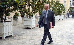 """Le ministre du Travail, Michel Sapin, a affirmé mercredi que les chiffres du chômage ne seraient """"pas bons"""" en septembre après le bug de l'opérateur SFR qui avait amplifié les désinscriptions à Pôle emploi le mois précédent."""