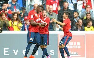 Le Lillois Divock Origi félicité par ses coéquipiers après son but face à Nantes