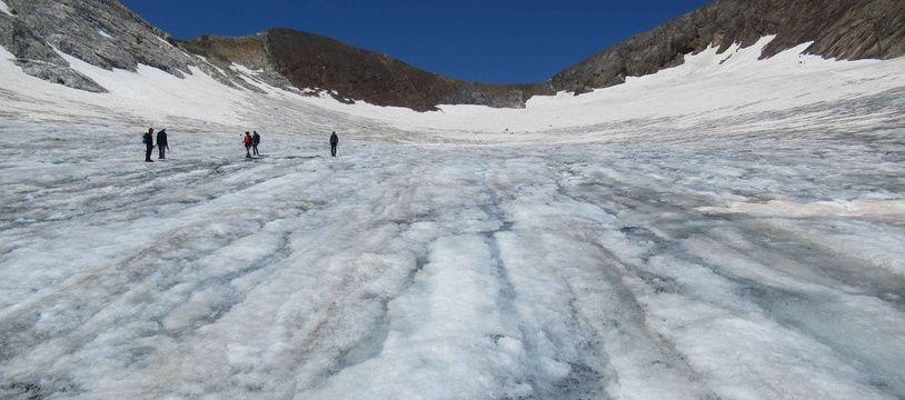 La glacier d'Ossoue, a perdu l'équivalent de 900.000 m3 d'eau cette année.